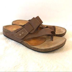 Clarks Artisan Brown Leather Perri Coast Sandals